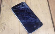 The Worst Reponses to a Cracked iPhone Screen